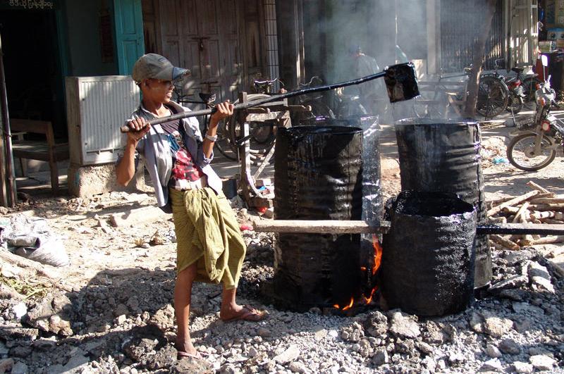 Kinderarbeit, Straßenbau, Mandalay, Myanmar, Burma, Birma, Reisebericht, www.wo-der-pfeffer-waechst.de
