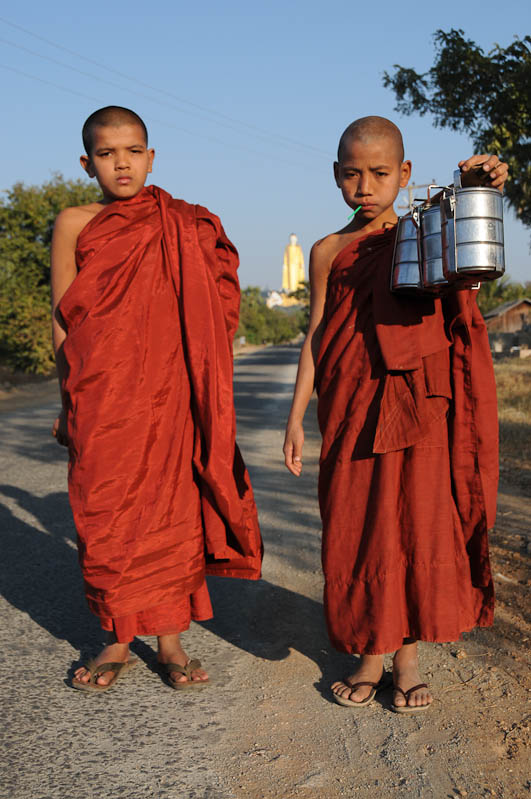 Monywa, buddhistische Mönche, monks, Myanmar, Burma, Birma, Reisebericht, www.wo-der-pfeffer-waechst.de