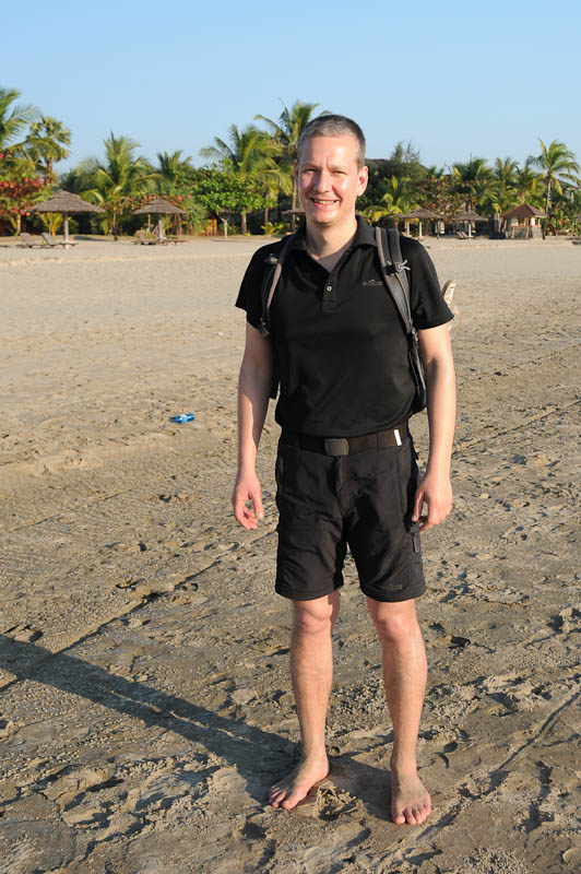 Ngwe Saung Beach, Strand, Heiko Meyer, Kokosnuss erschlagen, Myanmar, Burma, Birma, Golf von Bengalen, Reisebericht, www.wo-der-pfeffer-waechst.de