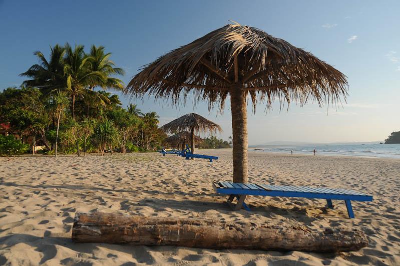 Ngwe Saung Beach, Strandliege, Myanmar, Burma, Birma, Golf von Bengalen, Reisebericht, www.wo-der-pfeffer-waechst.de