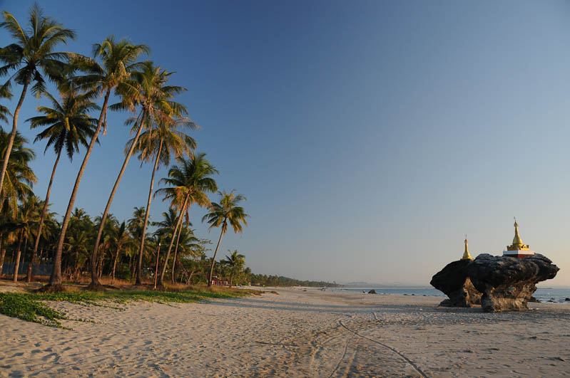 Ngwe Saung Beach, Strandtempel, Pagode, Pagoda, Myanmar, Burma, Birma, Golf von Bengalen, Reisebericht, www.wo-der-pfeffer-waechst.de