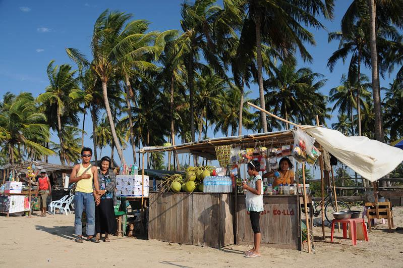 Chaung Tha Beach, Strand, Getränke, Myanmar, Burma, Birma, Golf von Bengalen, Reisebericht, www.wo-der-pfeffer-waechst.de