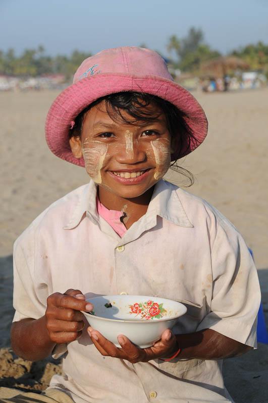 Chaung Tha Beach, Strand, guten Appetit, Myanmar, Burma, Birma, Golf von Bengalen, Reisebericht, www.wo-der-pfeffer-waechst.de