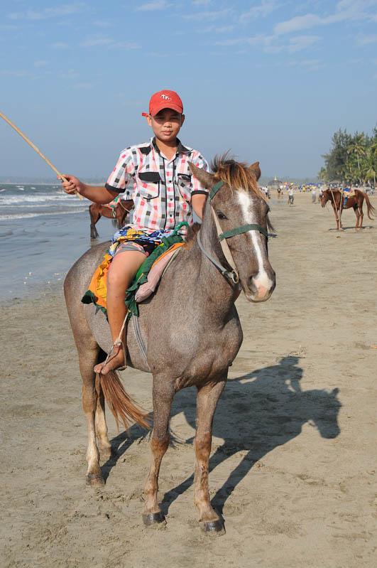 Chaung Tha Beach, Strand, Pferd, Myanmar, Burma, Birma, Golf von Bengalen, Reisebericht, www.wo-der-pfeffer-waechst.de