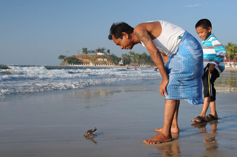 Chaung Tha Beach, Strand, Myanmar, Burma, Birma, Golf von Bengalen, Kokospalmen, Kasuarinen, Reisebericht, www.wo-der-pfeffer-waechst.de