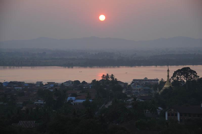 Mawlamyine, Moulmein, Kyaik Thanlan-Pagode, Pagoda, Tempel, Sonnenuntergang, sunset, Salween-Fluss, river, Myanmar, Burma, Birma, Reisebericht, www.wo-der-pfeffer-waechst.de