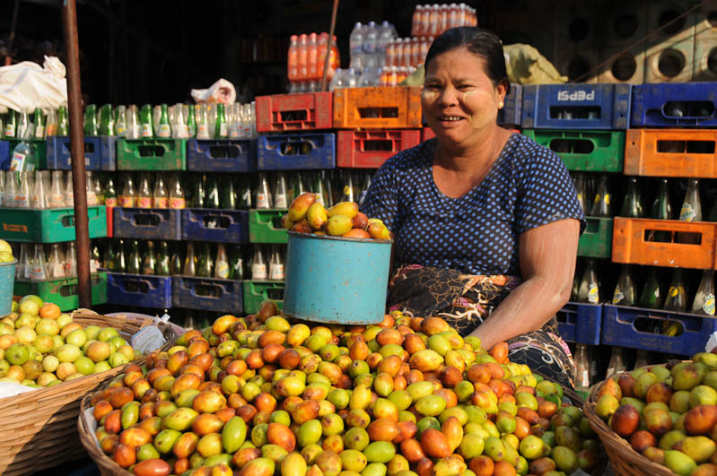 Mawlamyine, Moulmein, Zeigyo-Markt, Marktfrau, Myanmar, Burma, Birma, Reisebericht, www.wo-der-pfeffer-waechst.de