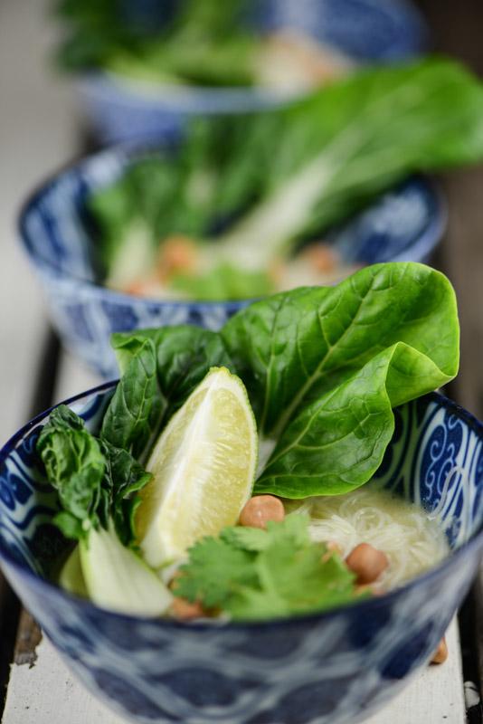 Myanmar, Shan-Nudelsuppe, Shan Kow Sway, Kochen, Rezepte, veganes, vegetarisches, Gerichte, Speisen, Essen, Zutaten, Küche, Burma, Birma, www.wo-der-pfeffer-waechst.de