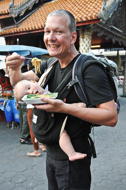 Pad Thai, veganes, vegetarisches, gebratene Nudeln mit Tofu, Thailand, thailändisches, Kochen, Rezepte, Gerichte, Speisen, Essen, Zutaten, Küche Streetfood, www.wo-der-pfeffer-waechst.de