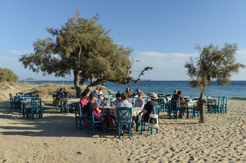 Naxos, Plaka Beach, Strand, Strände, Restaurant, Maragas, Kykladen, Griechenland, Inselhüpfen, Island-Hopping, griechische, Inseln, Mittelmeer, Bilder, Fotos, Reiseberichte, www.wo-der-pfeffer-waechst.de