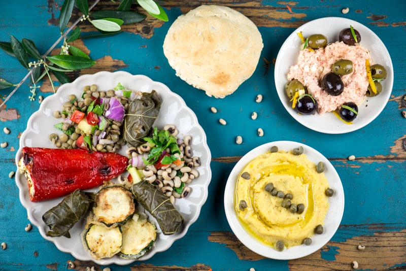 Augenbohnensalat, Linsensalat, Mezzedes, griechische Vorspeisen, Griechenland, vegetarisches, griechisches, Kochen, Rezepte, Gerichte, Speisen, Essen, Zutaten, Küche, www.wo-der-pfeffer-waechst.de