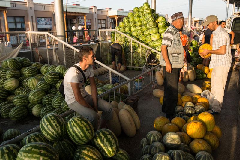 Samarkand, Samarqand, Siyob-Basar, Markt, Melonen, Reisen, entlang der, Seidenstraße, Usbekistan, Zentralasien, Reiseberichte, www.wo-der-pfeffer-waechst.de