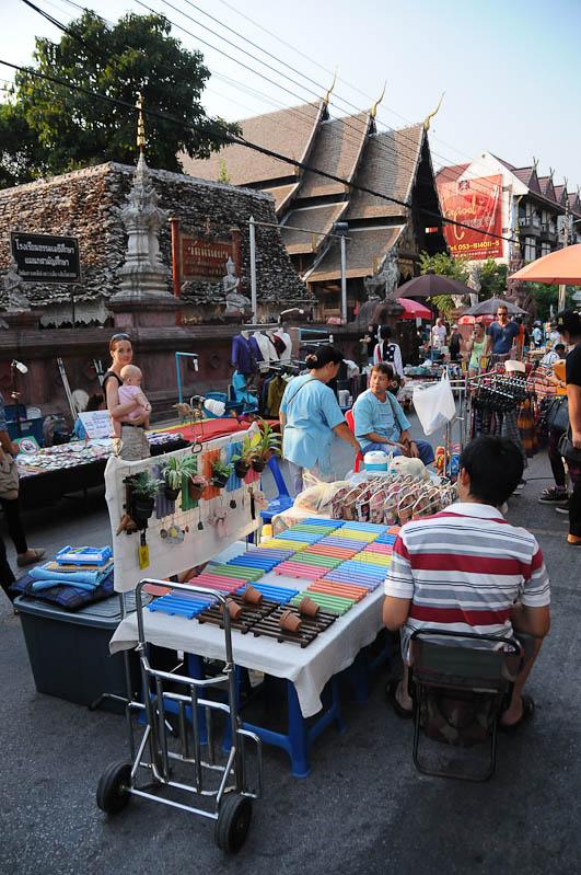 Chiang Mai, Nordthailand, Märkte, Sunday Walking Street, Reisetipps, Reisen mit Kindern, Babys, Kleinkindern, Elternzeit, Asien, Reiseberichte, Reiseblogger, www.wo-der-pfeffer-waechst.de