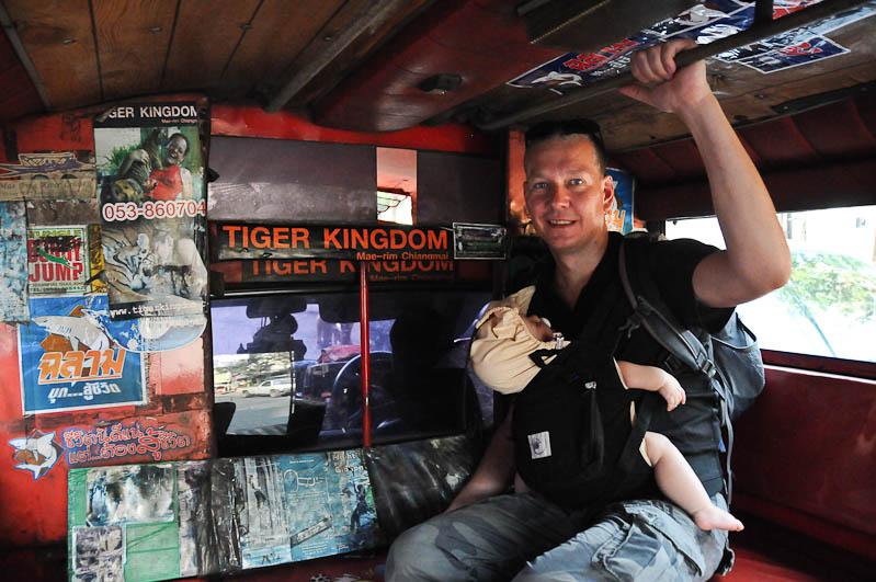 Chiang Mai, Nordthailand, Sammeltaxi, Songthaew, Reisetipps, Reisen mit Kindern, Babys, Kleinkindern, Elternzeit, Asien, Reiseberichte, Reiseblogger, www.wo-der-pfeffer-waechst.de