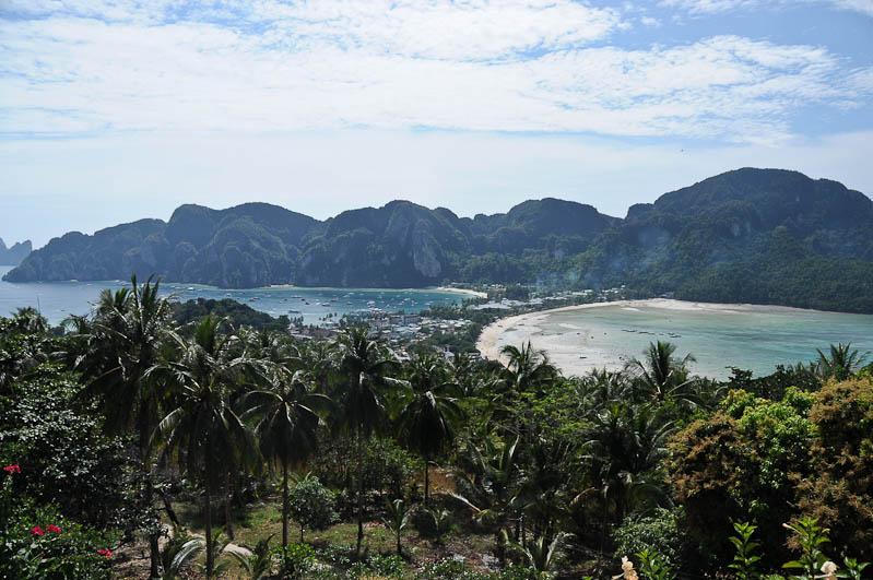 Koh Phi Phi Don, Viewpoint, Aussichtspunkt, Südthailand, Island Tour, The Beach, Strände, Bootstour, Ausflüge, Inseltouren, Andamanensee, Reisetipps, Reisen mit Kindern, Babys, Kleinkindern, Elternzeit, Asien, Reiseberichte, Reiseblogger, www.wo-der-pfeffer-waechst.de