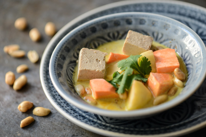 Massaman-Curry, Rezepte, Thailand, vegetarisches, veganes, Kaeng Masaman, Tofu, thailändisches, Kochen, Gerichte, Speisen, Essen, Zutaten, Küche, Reise- und Food-Blog, www.wo-der-pfeffer-waechst.de
