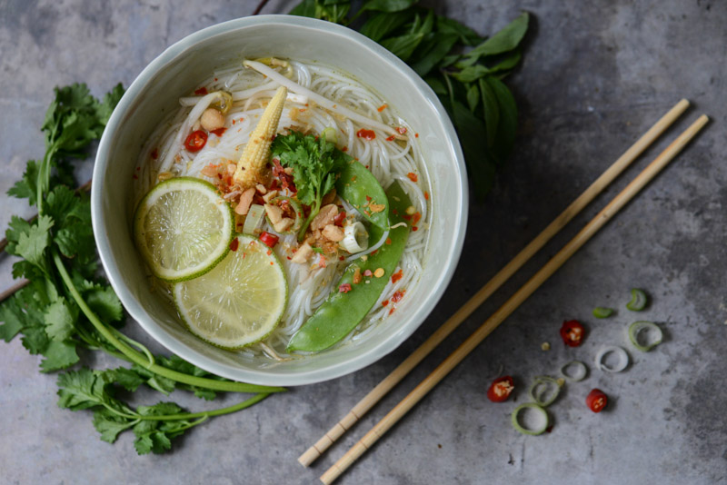 Thailändische Nudelsuppe, Noodlesoup, Rezepte, Thailand, vegetarisches, veganes, Kochen, Gerichte, Speisen, Essen, Zutaten, Küche, Reise- und Food-Blog, www.wo-der-pfeffer-waechst.de