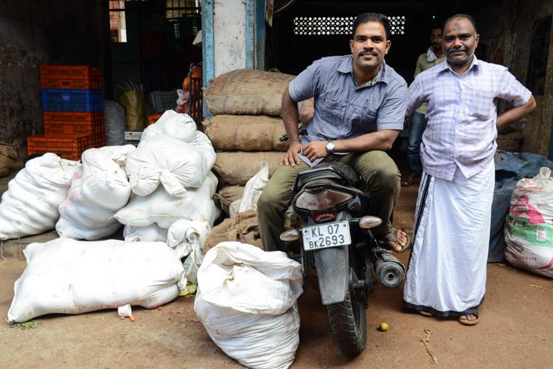 Ernakulam, Market road, Märkte, Kochi, Cochin, Südindien, Kerala, Reisetipps, Reisen mit Kindern, Rundreisen, Südasien, Reiseberichte, Reiseblogger, www.wo-der-pfeffer-waechst.de