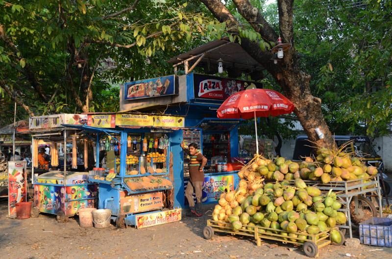 Getränkestand, Imbiss, Fort Kochi, Cochin, Südindien, Kerala, Reisetipps, Reisen mit Kindern, Rundreisen, Südasien, Reiseberichte, Reiseblogger, www.wo-der-pfeffer-waechst.de