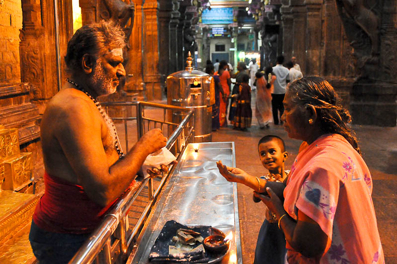 Tamil Nadu, Tempeltour, Südindien, Sri-Meenakshi-Tempel, Reisetipps, Rundreisen, Asien, Reiseberichte, Reiseblogger, www.wo-der-pfeffer-waechst.de