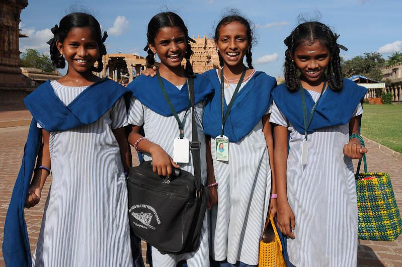 Thanjavur, Tanjore, Brihadishvara-Tempel, Schulklasse, Tamil Nadu, Tempeltour, Südindien, Reisetipps, Rundreisen, Asien, Reiseberichte, Reiseblogger, www.wo-der-pfeffer-waechst.de