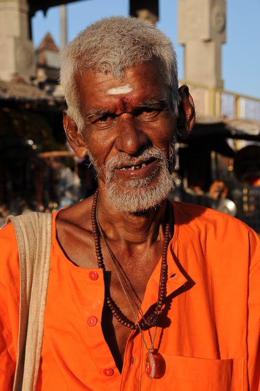 Tiruvannamalai, Arunachaleswar-Tempel, indischer Mann, Tamil Nadu, Tempeltour, Südindien, Reisetipps, Rundreisen, Asien, Reiseberichte, Reiseblogger, www.wo-der-pfeffer-waechst.de
