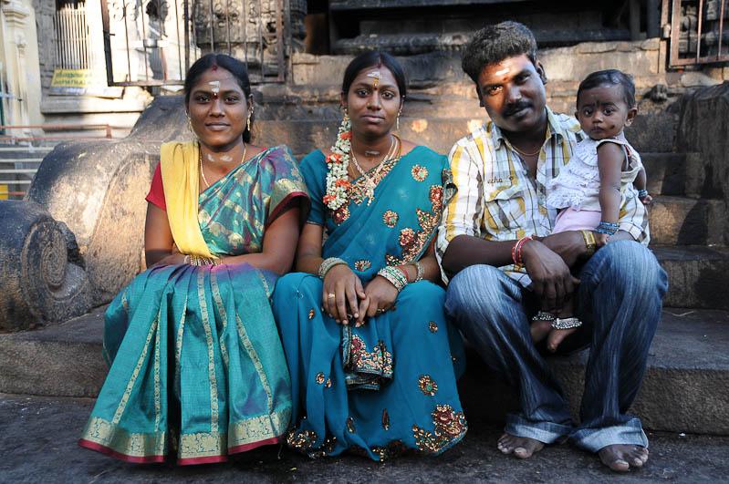 Tiruvannamalai, Arunachaleswar-Tempel, indische Familie, Tamil Nadu, Tempeltour, Südindien, Reisetipps, Rundreisen, Asien, Reiseberichte, Reiseblogger, www.wo-der-pfeffer-waechst.de