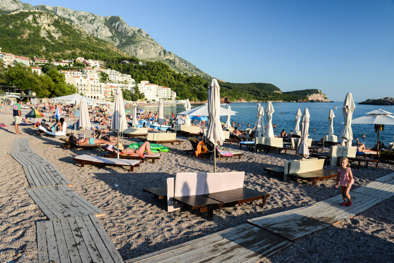 Sveti Stefan, Sveti Stefan Beach, Insel, Island, Montenegro, Reisetipps, Rundreisen, Europa, Reiseberichte, Reisen mit Kindern, Reiseblogger, www.wo-der-pfeffer-waechst.de