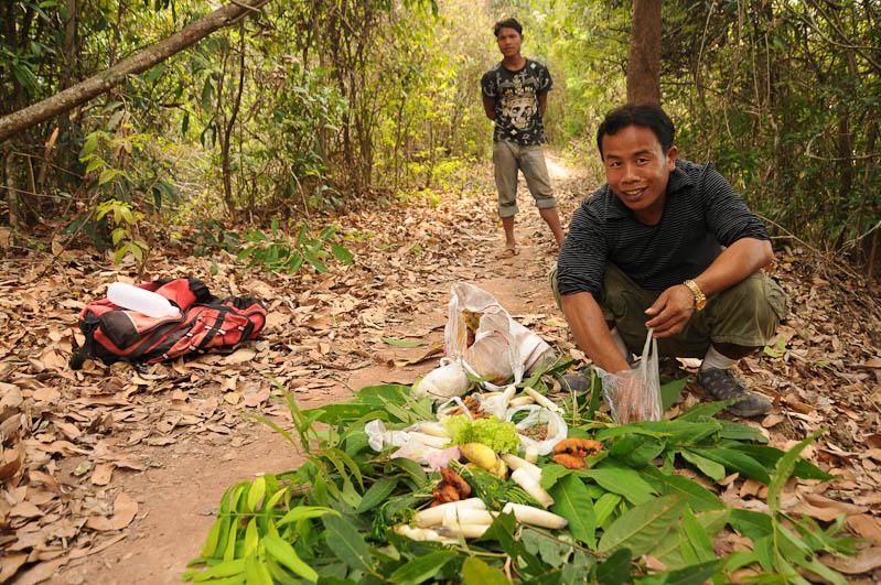Laos, Nordlaos, Vieng Phouka, Vieng Phoukha, Trekkingtour, Bergvölker, Hill Tribes, Akha Trail, Stammesdorf, Tourguide Mister Bounoulam, Herr, Boun, Dschungel, jungle, Reisetipps, Rundreisen, Asien, Reiseberichte, Reiseblogger, www.wo-der-pfeffer-waechst.de