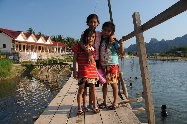 Vang Vieng, Laos, Nordlaos, Fluss Nam Song, Nam Xong, Kinder, Reisetipps, Rundreisen, Asien, Reiseberichte, Reiseblogger, www.wo-der-pfeffer-waechst.de