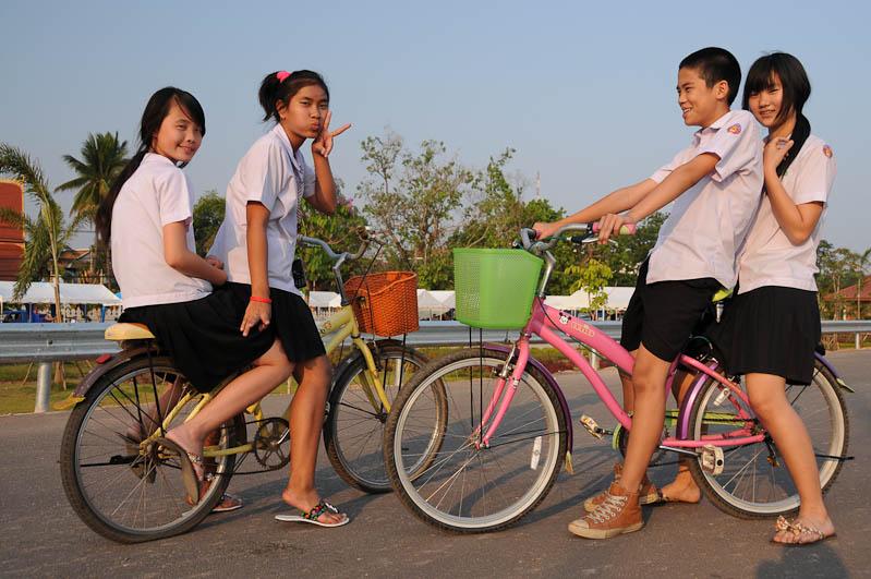 Vientiane, Laos, Hauptstadt, laotische Schüler, Jugendliche, Reisetipps, Rundreisen, Asien, Reiseberichte, Reiseblogger, www.wo-der-pfeffer-waechst.de