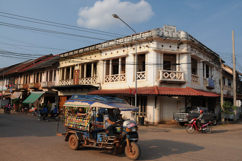 Laos, Zentrallaos, Thakhek, Mekong, The Loop, Reisebericht, Straßenszene, Kolonialhäuser, laotische Provinz Khammouan, Khammuan, Reisetipps, Rundreisen, Südostasien, Reiseblogger, www.wo-der-pfeffer-waechst.de