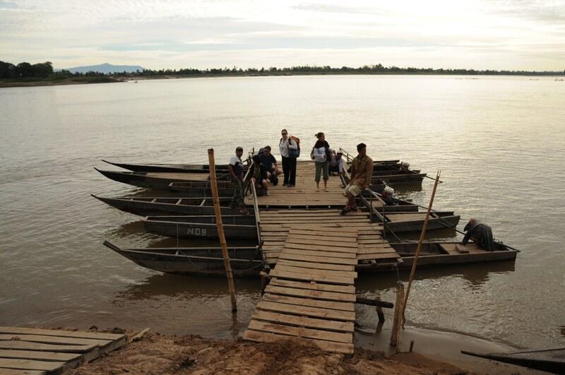 Mekong, Fähre, ferry, crossing, Champasak, Fluss, Überquerung, Südlaos, Southern, Laos, Süden, Khmer-Tempel, UNESCO-Weltkulturerbe, Pakse, Pakxe, Reiseziele, Mekong, Reisebericht, Reisetipps, Rundreisen, Südostasien, Reiseblogger, www.wo-der-pfeffer-waechst.de