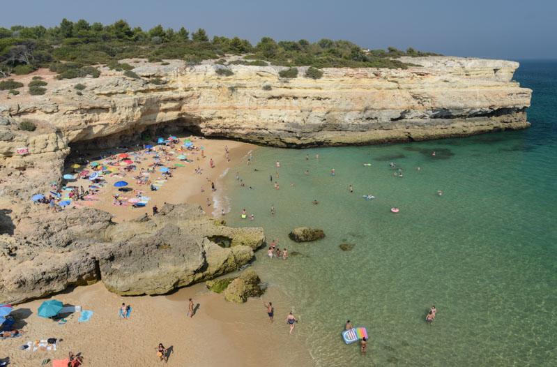 Praia de Albandeira, Algarve, Portugal, Strand, schönste Strände, best beaches, Felsalgarve, Beach-Hopping, Reisen mit Kindern, Südeuropa, Bilder, Fotos, Reiseberichte, www.wo-der-pfeffer-waechst.de