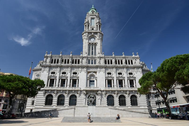 Porto, Portugal, Städtetrip, Rathaus, Avenida dos Aliados, Reisen mit Kindern, Sehenswürdigkeiten, Südeuropa, Bilder, Fotos, Reiseberichte, Sommerurlaub, www.wo-der-pfeffer-waechst.de