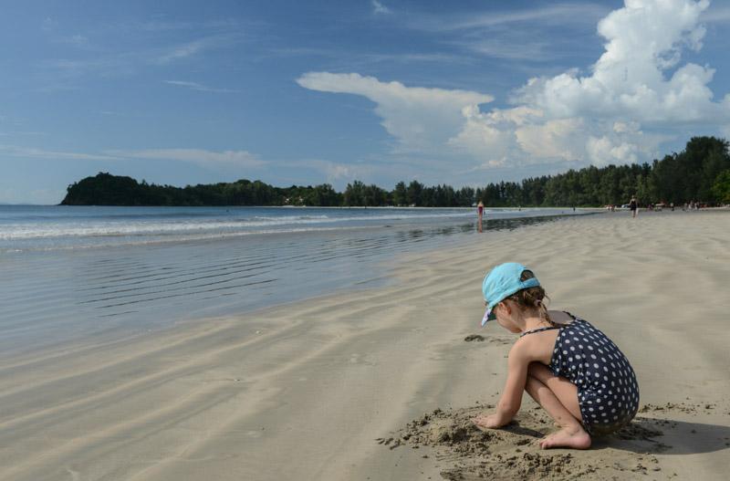 Klong Dao Beach, Ebbe, Koh Lanta, Beach Guide, Thailand, schöne Strände, Ausflüge, Schnorcheltouren, Reisetipps, Reisen mit Kindern, Babys, Kleinkindern, Elternzeit, Inselhüpfen, Andamanensee, Südthailand, Asien, Reiseberichte, Reiseblogger, www.wo-der-pfeffer-waechst.de