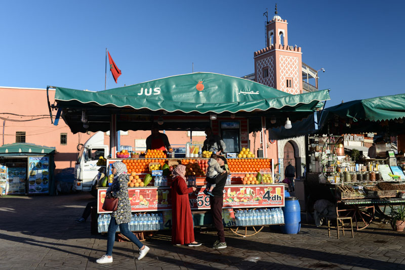 Marrakesch, Marokko, Djemaa el Fna, Platz, Orangensaftstand, orange juice, Medina, Altstadt, Shopping, Reisebericht, Reisetipps, Afrika, Reiseblogger, www.wo-der-pfeffer-waechst.de