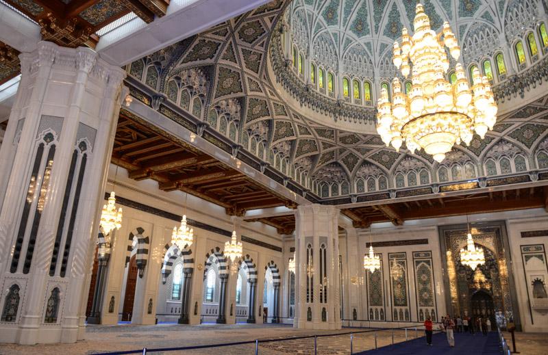 Maskat, Stopover, Muscat, Oman, Große Sultan-Qabus-Moschee, Gebetshalle, Reisebericht, www.wo-der-pfeffer-waechst.de