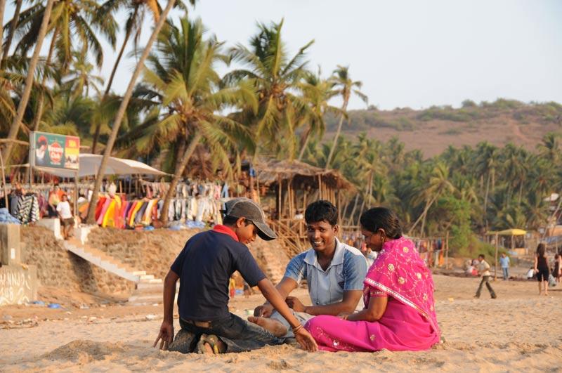 Anjuna Beach, Goa, Strand, Strände, indische Familie, Indien, India, Reiseberichte, Südasien, Bilder, Fotos, www.wo-der-pfeffer-waechst.de
