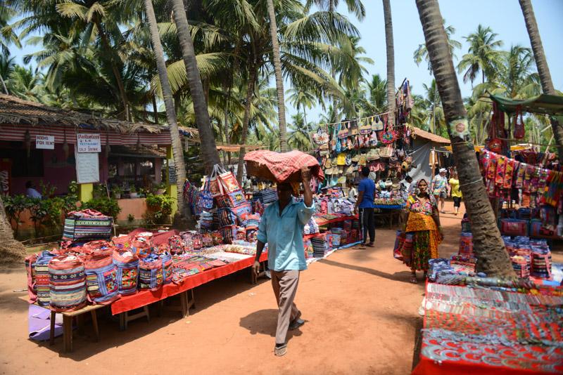 Anjuna-Flohmarkt, fleamarket, Anjuna Beach, Goa, Strand, Strände, Indien, India, Reiseberichte, Südasien, Bilder, Fotos, www.wo-der-pfeffer-waechst.de
