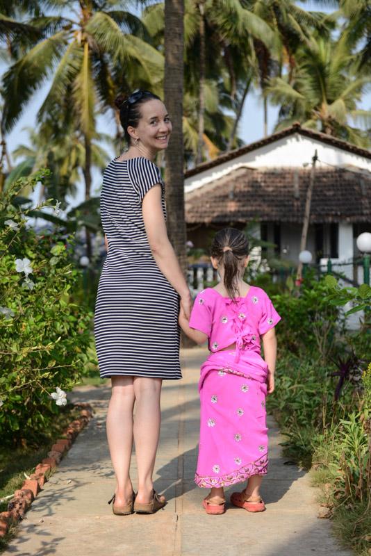 Reisen mit Kindern, Anjuna Beach, Goa, Strand, Strände, Sari, Indien, India, Reiseberichte, Südasien, Bilder, Fotos, www.wo-der-pfeffer-waechst.de