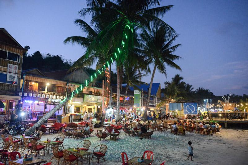 Koh Rong Beach Guide, Kambodscha, Insel, Strand, die schönsten Strände, Koh Toch Village, Abendstimmung, BBQ, Koh Tuch Village, Koh Touch Village, Koh Tui Village, Cambodia, Südostasien, Bilder, Fotos, Reiseberichte, www.wo-der-pfeffer-waechst.de