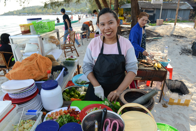 Street Food, Essensstand, Papayasalat, Som Tam, Koh Toch Beach, Koh Rong, Kambodscha, Khmer-Food, Insel, Strand, Cambodia, Südostasien, Bilder, Fotos, Reiseberichte, www.wo-der-pfeffer-waechst.de