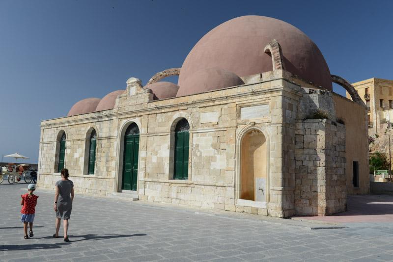 Giali Tsamisi, Moschee am Meer, Chania, Altstadt, venezianischer Hafen, Reisebericht, Kreta, Griechenland, Urlaub, Bilder, Fotos, Südeuropa, www.wo-der-pfeffer-waechst.de