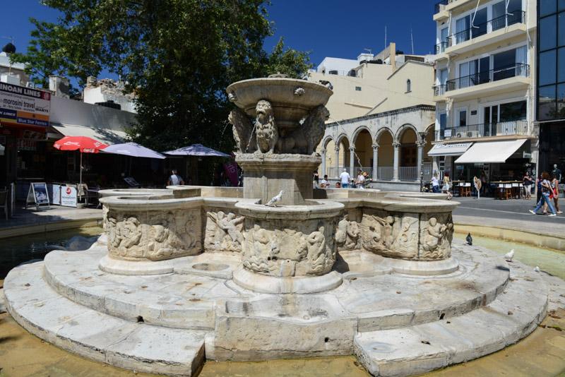 Heraklion, Iraklio, Altstadt, Morosini-Brunnen, Löwenbrunnen, Reisebericht, Kreta, Griechenland, Bilder, Fotos, Südeuropa, www.wo-der-pfeffer-waechst.de