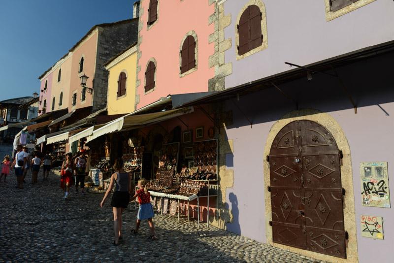 Mostar, Altstadt, Reisebericht, Bosnien-Herzegowina, Rundreise, Reisen mit Kindern, Sehenswürdigkeiten, Ausflüge, Reisetipps, Südosteuropa, Sommerferien, Sommerurlaub, Balkan, Bilder, Fotos www.wo-der-pfeffer-waechst.de