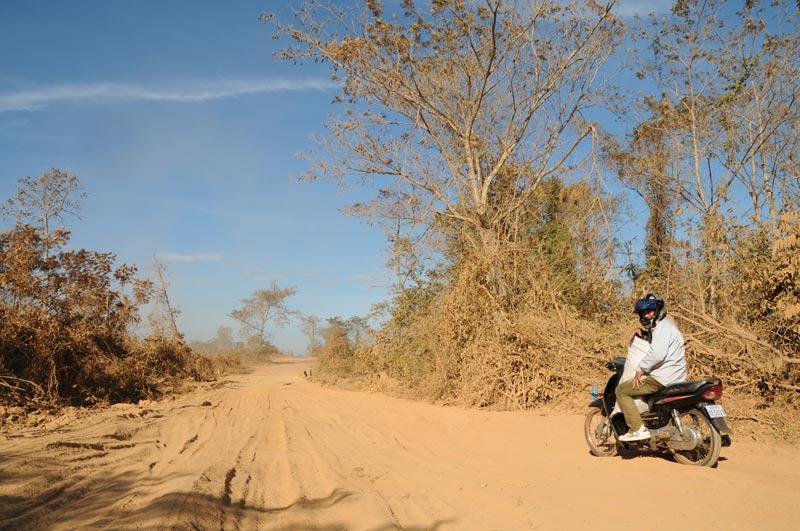 Motorradtour, Kambodscha, Reisebericht, staubige Straßen, Pisten, Cambodia, Reisetipps, Backpacking, Südostasien, Bilder, Foto: Heiko Meyer, www.wo-der-pfeffer-waechst.de