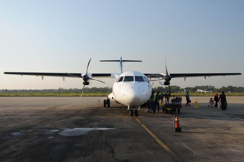 Bangladesh, domestic flighs, Inlandsflüge, Flugzeug, Flughafen, Airport, Chittagong, Bangladesch, Reiseberichte, Foto: Heiko Meyer, www.wo-der-pfeffer-waechst.de