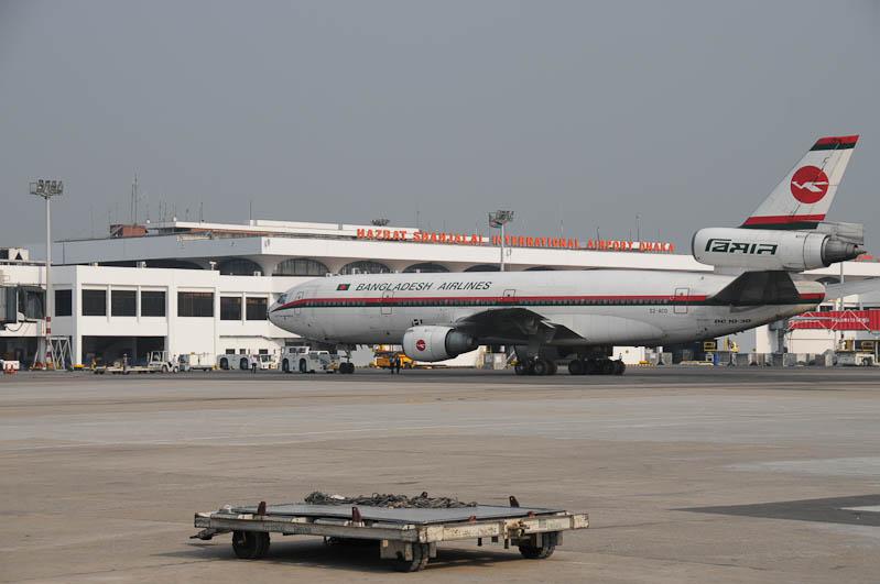 Biman Bangladesh Airlines, Flughafen Dhaka, Shahjalal International Airport, DAC, Flugzeug, Bangladesch, Reiseberichte, Foto: Heiko Meyer, www.wo-der-pfeffer-waechst.de