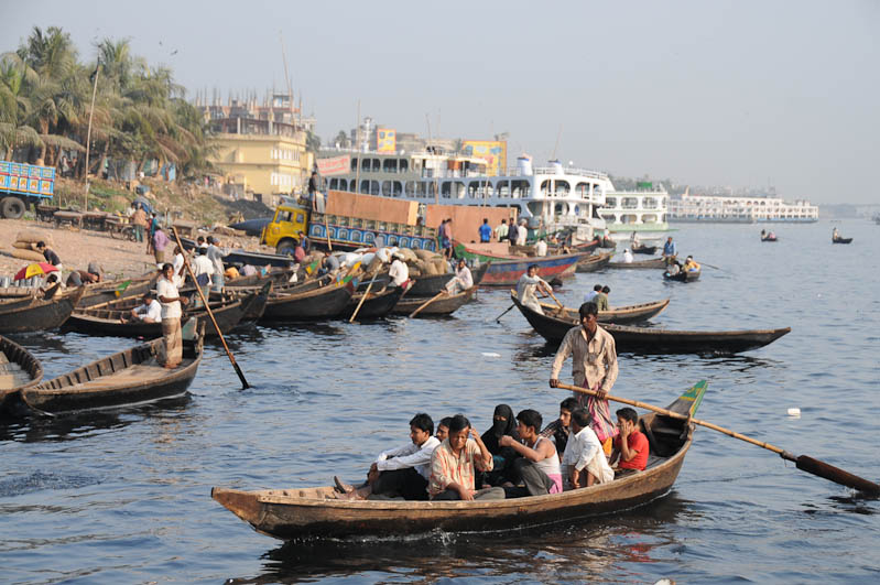 Boote, Sadarghat-Terminal, Old Dhaka, Bangladesch, Reiseberichte, Foto: Heiko Meyer, www.wo-der-pfeffer-waechst.de
